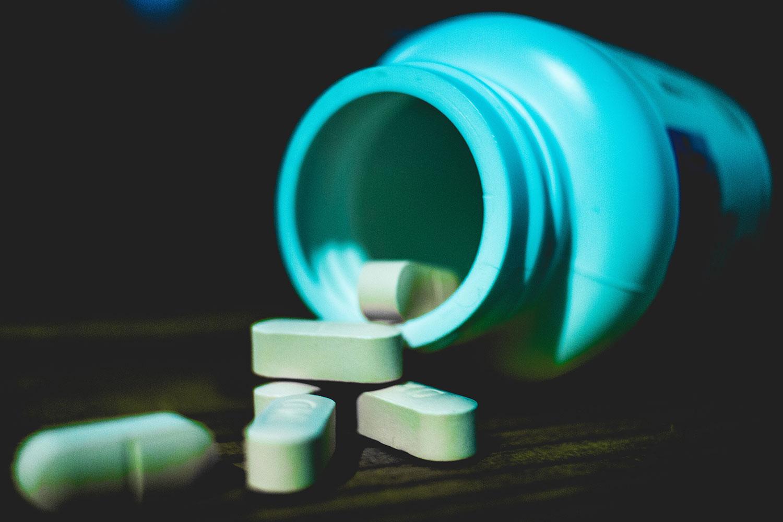 你不应该服用的7种维生素和补充剂