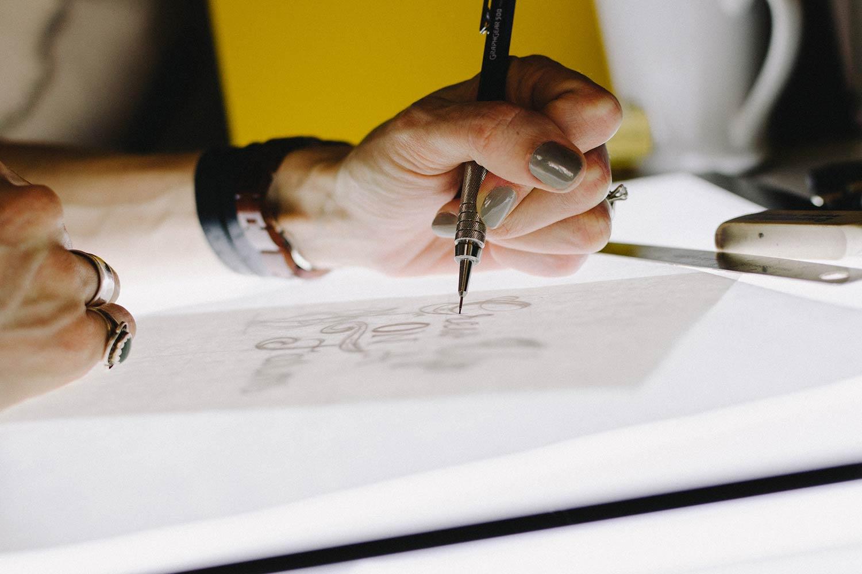 如何运用创造性思维提升职场信誉?