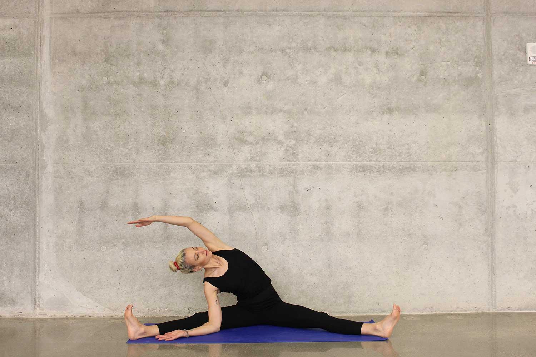 运动员:静态和动态拉伸的技巧和方法