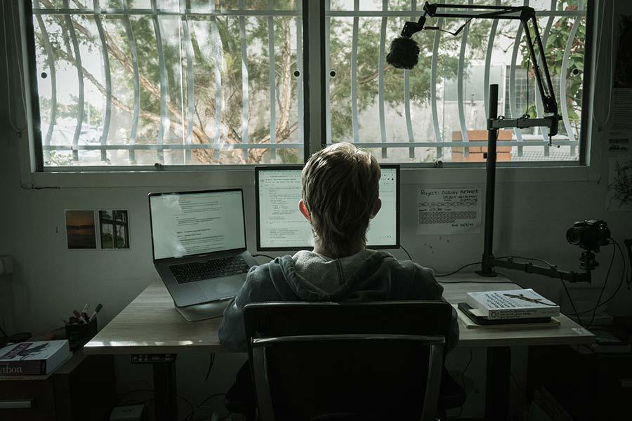 工作倦怠的7个常见迹象以及如何应对
