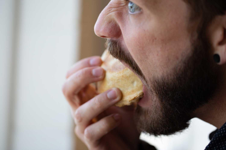 如何停止暴饮暴食以保持健康