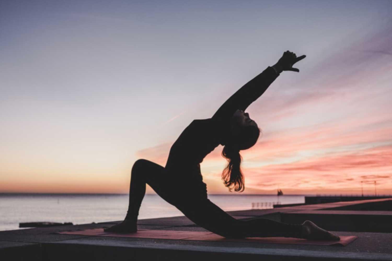 6个瑜伽姿势,缓解经痛